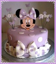 Minnie Mouse cake has become a cherished birthday wish for every child. The beautiful appearance and wonderful designs of that cake makes a fancy birthday Bolo Do Mickey Mouse, Bolo Minnie, Minnie Mouse Birthday Cakes, Minnie Cake, Birthday Cake Girls, Birthday Cupcakes, Birthday Kids, Mickey Mouse Clubhouse Cake, Mickey Cakes