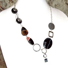 Boho Banded Agate Black Sardonyx Necklace Wire by BohoEarthDesigns