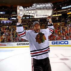 The Blackhawks and Niklas Hjalmarsson have agreed to a five-year contract extension!