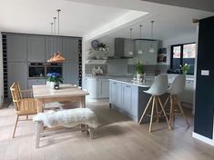 Afternoon folks, just a quickie from me as we are out and about exploring Frome today😍 a must for any interior/vintage lovers, full of… Open Plan Kitchen Living Room, Kitchen Dining Living, Home Decor Kitchen, Home Kitchens, Kitchen Design, Kitchen Ideas, House Extension Plans, Kitchen Diner Extension, Apartment Interior Design