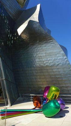 Basque Country, Bizkaia, Bilbao, Guggenheim Museum. Jeff Koons