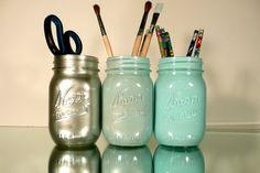 Aqua and silver ombre mason jars as a pencil holder Dorms Decor, Dorm Decorations, Office Decor, Office Ideas, Office Furniture, Spray Paint Mason Jars, Painted Mason Jars, Contemporary Desk Accessories, Do It Yourself Inspiration