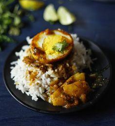 La Petit Chef: Egg Curry/ Anda Masala/ Dim er Jhol
