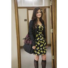 40 New Ideas nails pretty little liars aria montgomery Pretty Little Liars Characters, Watch Pretty Little Liars, Pretty Little Liars Outfits, Pretty Little Liars Seasons, Grunge Look, 90s Grunge, Style Grunge, Edgy Style, Grunge Girl