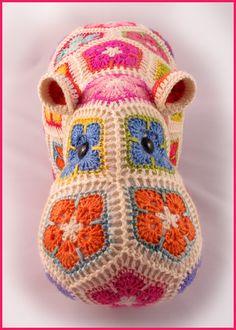 Heidi Bears: Happypotamus the happy Hippo crochet Pattern available LOOK HEIDI!!! HEIDI BEARS!!! Love, Maddy of course :)