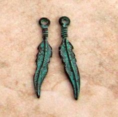 Feather Charm Green Patina 25 mm 6 Pieces M337 by FabBeads on Etsy