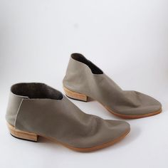 The Terilyn PSG 3cm heel Pale Soft Grey Gloveskin by SevillaSmith