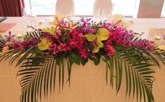 沖縄 ホテル ウェディング テーブル 南国 披露宴 装花 - Google 検索
