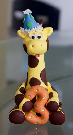 Cute Boy Giraffe Cake Topper By Artsinhand On Etsy - Adorable! Cute Boy Giraffe Cake Topper -wish I had seen this when we were making Jack's cake! THIS ONE - Cake inspiration: cake body & legs, rice krispie head I so want this for a cake topper someday, e Fondant Giraffe, Giraffe Cupcakes, Fondant Animals, Fondant Cake Toppers, Fondant Figures, Fondant Cakes, Cupcake Cakes, Cupcake Ideas, Giraffe Birthday Cakes