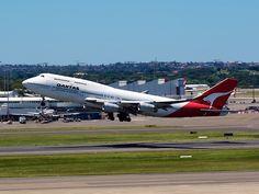 Qantas jumbo taking off from Sydney  Type: Boeing 747-438  Registration: VH-OJG  Location: Kingsford Smith International  Date: 27/11/2011