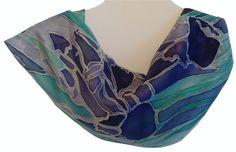 Hand painted Silk Scarf Irises, purple iris flowers, Zijden sjaal met de hand beschilderd irissen, 34 x 125 cm (13,4 x 48, 8) inches door Silkatelier op Etsy