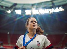 thank you for the most glorious photo of kelley o'hara in all existence. Cristiano Ronaldo Lionel Messi, Neymar, Soccer Tips, Soccer Stuff, Barcelona Soccer, Fc Barcelona, Alex Morgan Soccer, Fifa Women's World Cup, Soccer Girl Problems