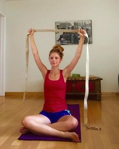 5 yoga poses to reverse rounded shoulders