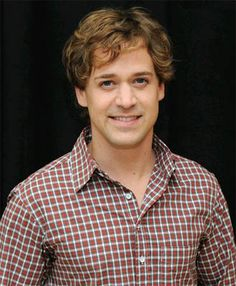 T.R. Knight is so adorable.