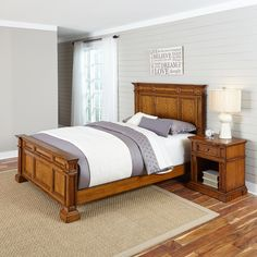 Home Styles Americana King Bed, White