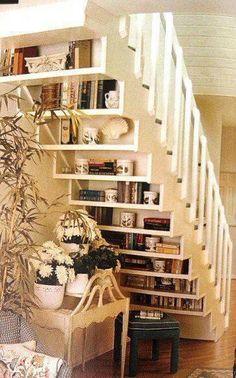 Отличная идея для использования лестницы !!!