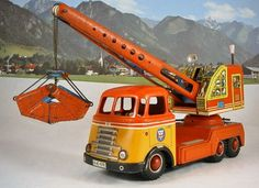 Metal Toys, Tin Toys, Model Cars Building, Toy Trucks, Diecast Models, Classic Toys, Model Trains, Buses, Cool Toys