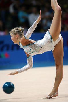 - Girls - Check out: Sport Girls on Barnorama Gymnastics Flexibility, Gymnastics Poses, Amazing Gymnastics, Acrobatic Gymnastics, Gymnastics Photography, Gymnastics Pictures, Artistic Gymnastics, Olympic Gymnastics, Gymnastics Girls