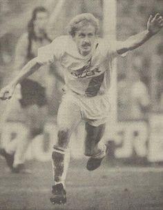 29-11-1987: Nipte zege voor #FCGroningen tegen #ADODenHaag. Foto: Jurrie Koolhof is opgetogen na zijn winnende treffer #groado