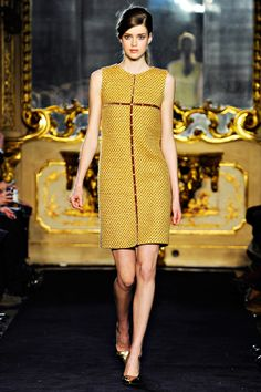 Aquilano.Rimondi Fall 2011 RTW - Review - Fashion Week - Runway, Fashion Shows and Collections - Vogue