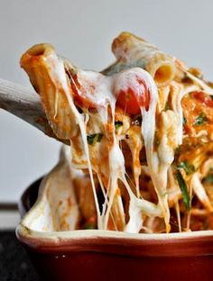 Creamy Caprese Pasta Bake is a new twist on a classic dish. Make this easy pasta recipe for dinner tonight!