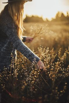 Blonde Women, Nature Aesthetic, Light And Shadow, Nature Photos, Amazing Nature, Makeup Tips, Nature Photography, Royalty Free Stock Photos, The Unit