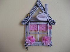 Otevřená okna - ještě se dá takto větrat...... Paper Weaving, Paper Magic, Newspaper Crafts, Easy Diy Crafts, Decoration, Ladder Decor, Creations, Wall Decor, Paper Basket