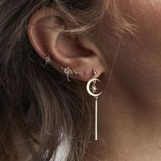 Easy sophistication in the Tevia moon earrings with the Cosmic & Azlin star earcuff #ruegembon