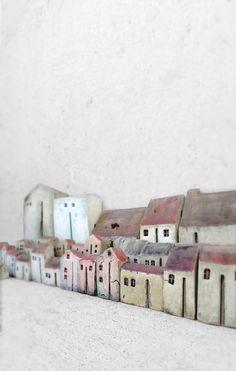 VESNA GUSMAN CLAY ART Clay houses, miniature houses, home decor, home decoration, set houses, clay art, minimalist, ceramic houses, ceramics, for the home, gift, gift ideas, holiday gift vesnagusmanclayart.etsy.com