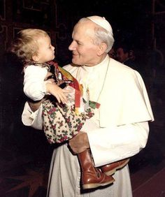 Just look at these to faces :) Blessed Pope John Paul II by fashionlady Paul 2, Pope John Paul Ii, Catholic Saints, Roman Catholic, Pape Jeans, Papa Juan Pablo Ii, Saint Esprit, Eucharist, Papa Francisco