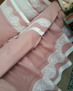 Keyifli aksamlarmutlu sabahlar olsun . . . . . #çeyiz #dantel #kaneviçe #nevresimtakimi #nakış #elemeği #elişi #carpiisi #ceyizhazirligi #nişan #söz #tasarım #art #desing #homedesign #crosstiching #crossstitcher #crochet #knitting