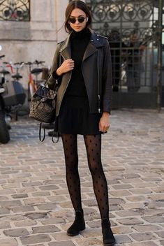 strumpfhose, strumpfhose outfit Bike's For You 🚲 Pinterest Mode, Pinterest Fashion, Pantyhose Outfits, Outfits With Tights, Pantyhose Heels, Black Pantyhose, Mode Outfits, Fashion Outfits, Womens Fashion