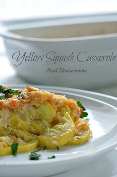 This Yellow Squash Casserole is the ultimate comfort food! It can be prepped ahead of time and popped in the oven just before dinner! Side Dish Recipes, Vegetable Recipes, Great Recipes, Vegetarian Recipes, Cooking Recipes, Favorite Recipes, All You Need Is, Yellow Squash Casserole, Good Food