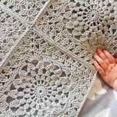 Transcendent Crochet a Solid Granny Square Ideas. Inconceivable Crochet a Solid Granny Square Ideas. Point Granny Au Crochet, Crochet Square Blanket, Granny Square Crochet Pattern, Afghan Crochet Patterns, Crochet Squares, Crochet Motif, Free Crochet, Knitting Patterns, Crochet Bedspread Pattern