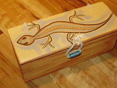 hand painted wooden box with lizard design by Legendarylynne, $20.00