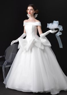 But I still don't believe huge bows belong on wedding gowns.M FASHIONISTA White Wedding Gowns, Stunning Wedding Dresses, Colored Wedding Dresses, Perfect Wedding Dress, Wedding Dress Styles, Dream Wedding Dresses, Barbie Bridal, Couture Dresses, Bridal Gowns