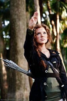 Katniss Everdeen: Full Post | Model: Cupcake Disco Cosplay | Photo: Raye Quinn Photography