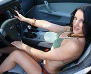 Autos y Chicas: Ashley y el Chevrolet Corvette Targa