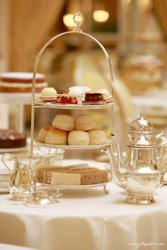 Que mange-t-on lors du Tea Time ? Five o' clock, Afternoon Tea et thé à l'anglaise | Joli goûter