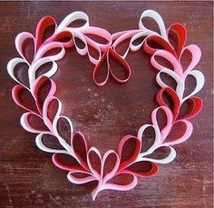 Valentine crafts for kids - Hearts 60 and more tutorials Used toilet paper rolls day wreath for kids 25 Easy Paper Heart Projects Kids Crafts, Valentine Crafts For Kids, Be My Valentine, Holiday Crafts, Arts And Crafts, Valentine Ideas, Valentine Hearts, Homemade Valentines, Crafts For Gifts