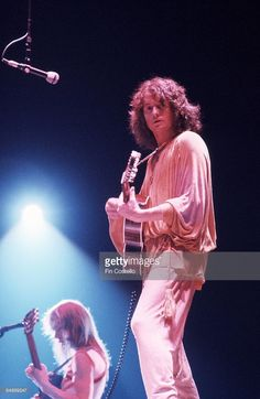Photo of Jon ANDERSON and YES, Jon Anderson performing live onstage Get premium, high resolution news photos at Getty Images Yes Band Members, Jon Davison, Yes Music, Chris Squire, Alan White, Steve Howe, Music Pics, Music Stuff, Greg Lake