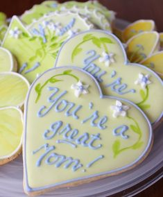 You're a Great Mom!  Mother's Day or Birthday Decorated Hearts Cookies.  Galletas Decoradas Dia de la Madre.