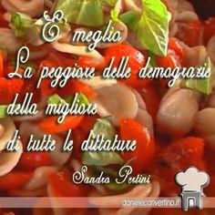 I colori dell'Italia per augurare buona festa della Liberazione a tutti ! Poutine, Stuffed Peppers, Vegetables, Food, Party, Italia, Stuffed Pepper, Essen, Vegetable Recipes