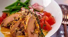 Foie gras poché au jus de clémentines de Philippe EtchebestVoir la recette du foie gras poché au jus de clémentines Chefs, Curry Coco, Buffet, Fine Dining, Quinoa, Entrees, Special Occasion, Pork, Food And Drink