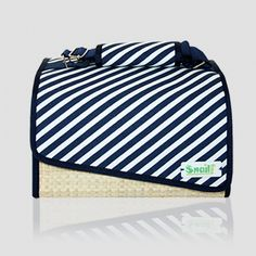 Snailbag Sailor White: bolso portalimentos isotérmico + dos tuppers incluidos. Shop online -> 28 euros. Snailbag everywhere you go! #Snailbag #lunchbag #tupper #tuppertime #MadeInSpain #moda #chic #ShopOnline http://www.snailbag.es/shop/elements-collection/bolso-porta-alimentos-snailbag-sailor-white/