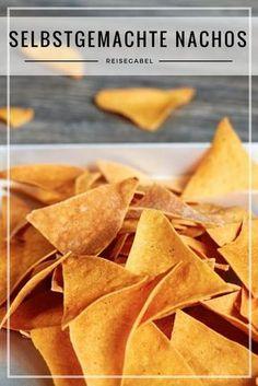 Klar kann man Nachos (oder Tortilla Chips) auch sehr gut kaufen, aber man kann es auch mal selbst machen. Die Herstellung ist eigentlich recht simpel. Im Prinzip fast so wie die Bandnudeln, nur mit einem anderen Teig. Auf jeden Fall ist da eine Nudelmaschine eine große Hilfe. #Nachos #TortillaChips #Selbstgemacht #Snack #Superbowl