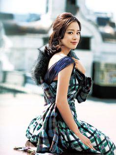 ♥韓国美女集め♥ • ヴァンサンカン 8月号  振り返り美人なキム・テヒ