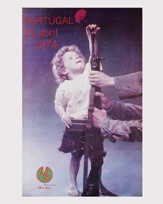 A Vida Portuguesa - Cartaz: 1974 Posters Vintage, Vintage Images, Old Pictures, Old Photos, History Of Portugal, Family Genealogy, Lisbon Portugal, Historical Photos, Portuguese