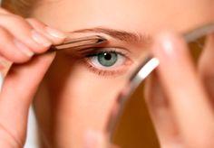 Tips para que depilarnos las cejas no sea tan tedioso