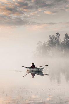Misty mornings on the water 💦 Courtesy of Tag your best sunrise photos with Watercolor Landscape, Landscape Art, Landscape Paintings, Landscape Photography, Watercolor Paintings, Nature Photography, Landscape Pictures, Pintura Exterior, Dark Drawings